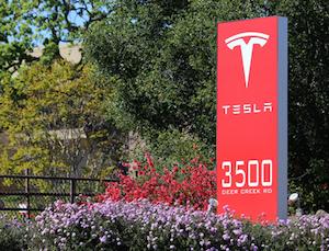 China Tech Digest: Tesla Begins Second Phase Construction Of Shanghai Gigafactory thumbnail